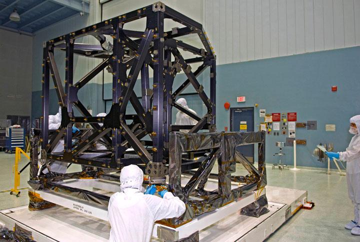 JWST  - Le télescope spatial - 2021 - Page 4 Isim3_med